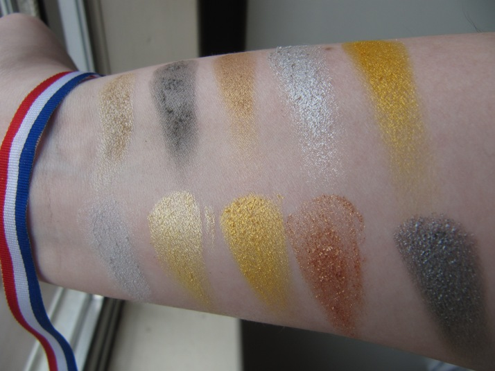Swatches MUA Going for Gold Palette