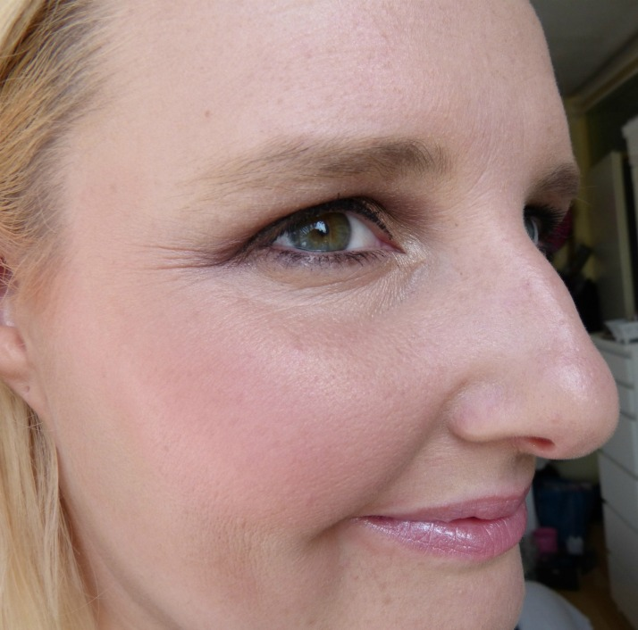 flormar Blush en Highlighter op mijn gezicht