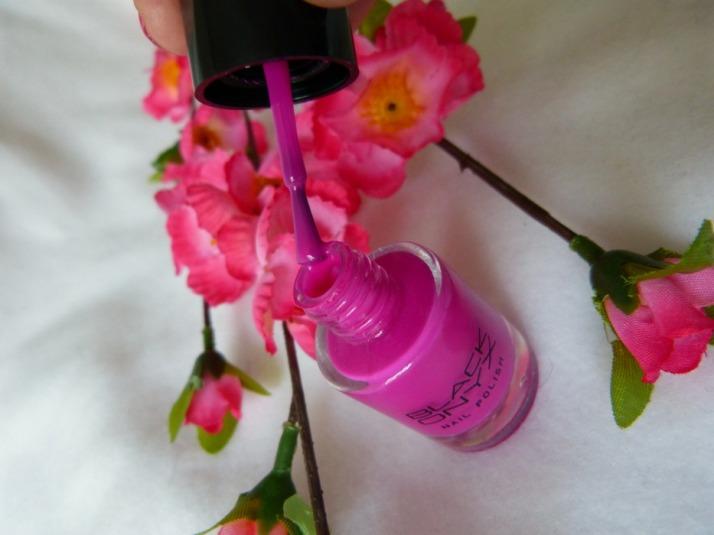 nagellak black onyx roze