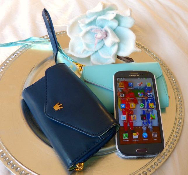 phone wallet donkerblauw en mint groen