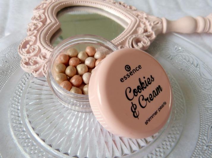 shimmer pearls essence  ccokies & Cream