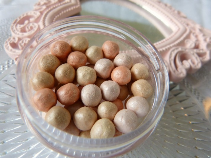 shimmer pearls Essence... Cookies & Cream
