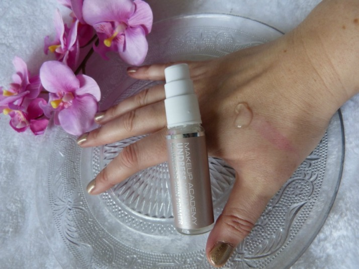 swatch undress your skin primer op mijn hand
