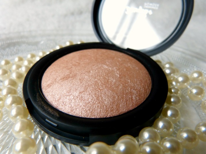 MAC soft and gentle dupe Douglas Shimmer powder
