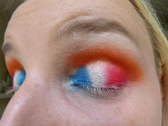 Rood wit blauw en oranje make up look