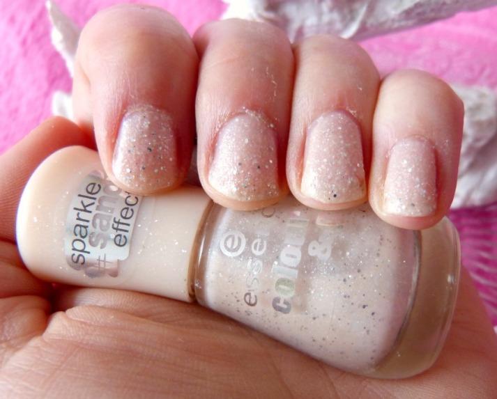 sand effect nagellak... Essence Hey Nude