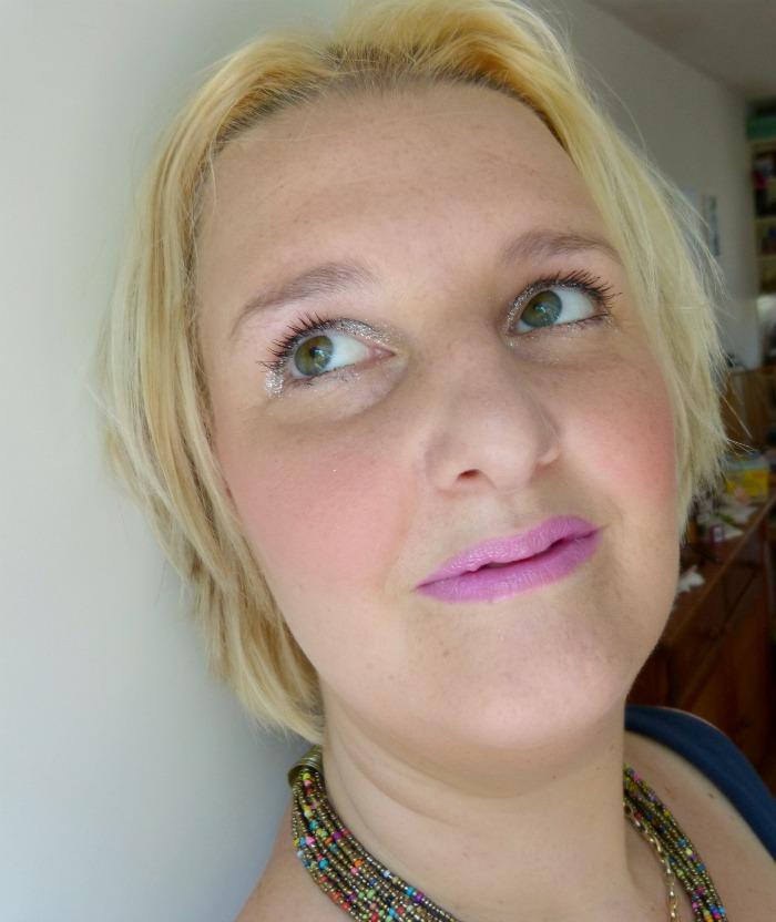 Look met beauty Uk via cosby.nl