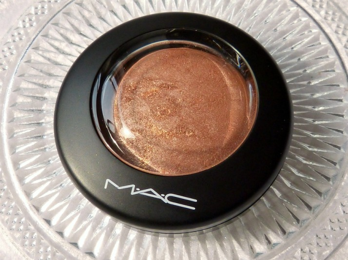 M.A.C. MAC mac glowbal glow mineralize skinfinish