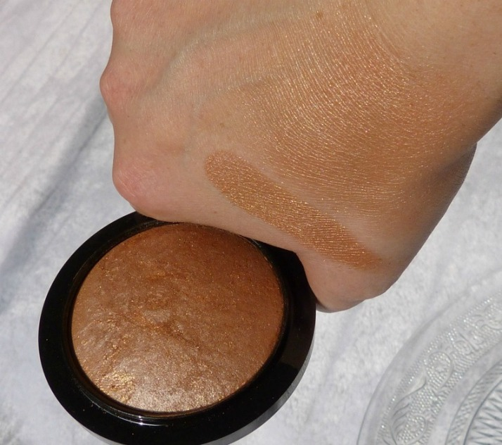 swatches global glow mineralize skinfinish