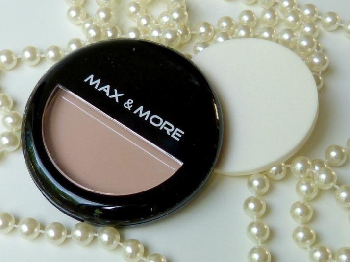 Max & More pressed poeder foundation