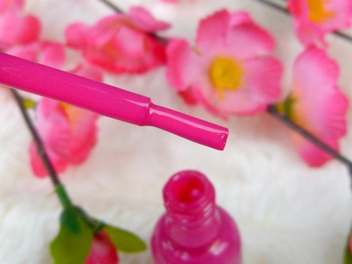 twisted pink van sally hansen bij action nagellak