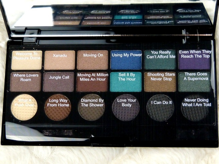 welcome to pleasuredome palette makeup revolution oogschaduw palette