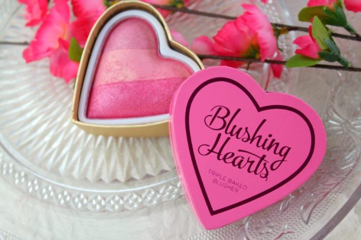 Blush make up revolution Blushing heart