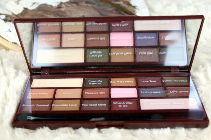 Chocolate palette Makeup revolution...