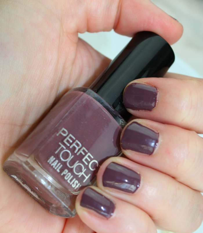 nagels gelakt met perfect touch nagellak