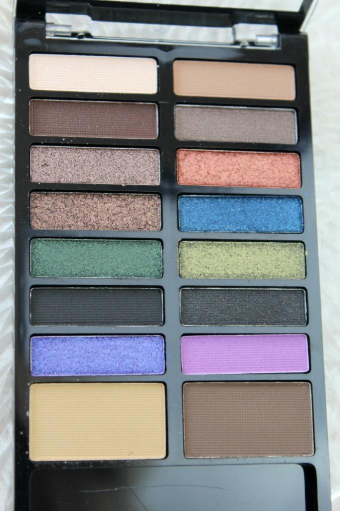 oogschaduw kleuren Lock & Load palette Makeup Revolution
