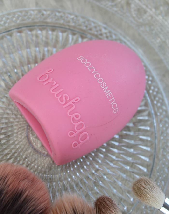 Brush egg Boozyshop
