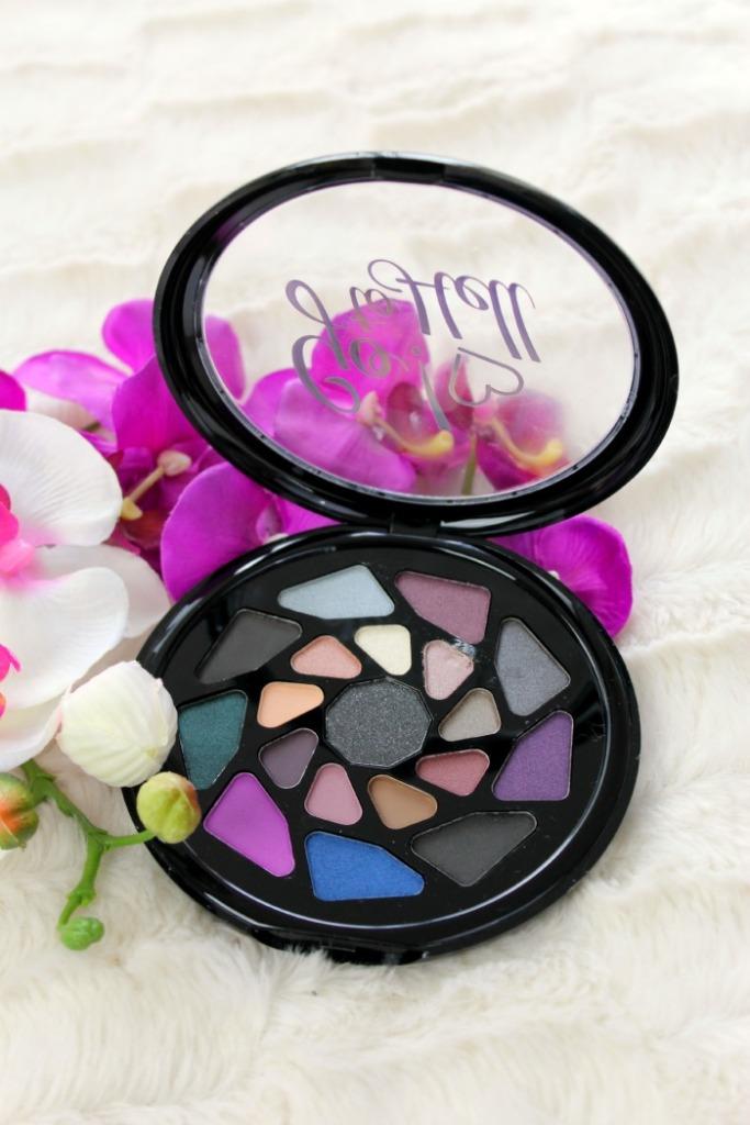 Go to hell van makeup revolution oogschaduw palette