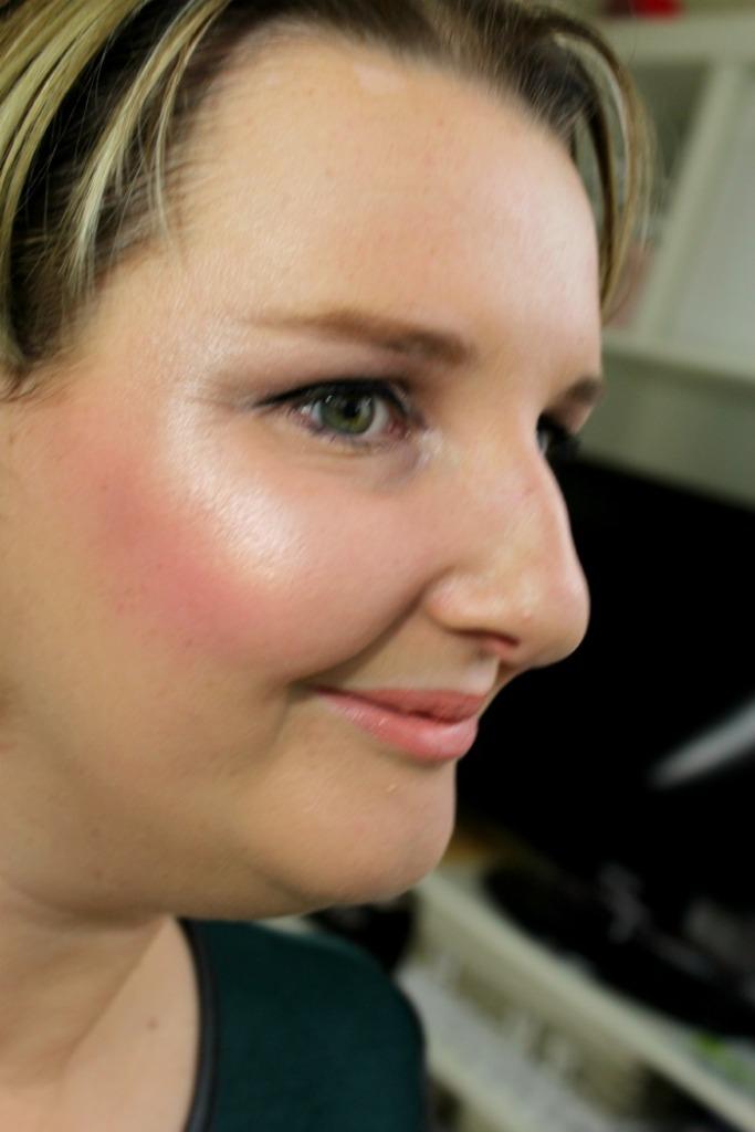 Look met Breathe radiant light Makeup revolution