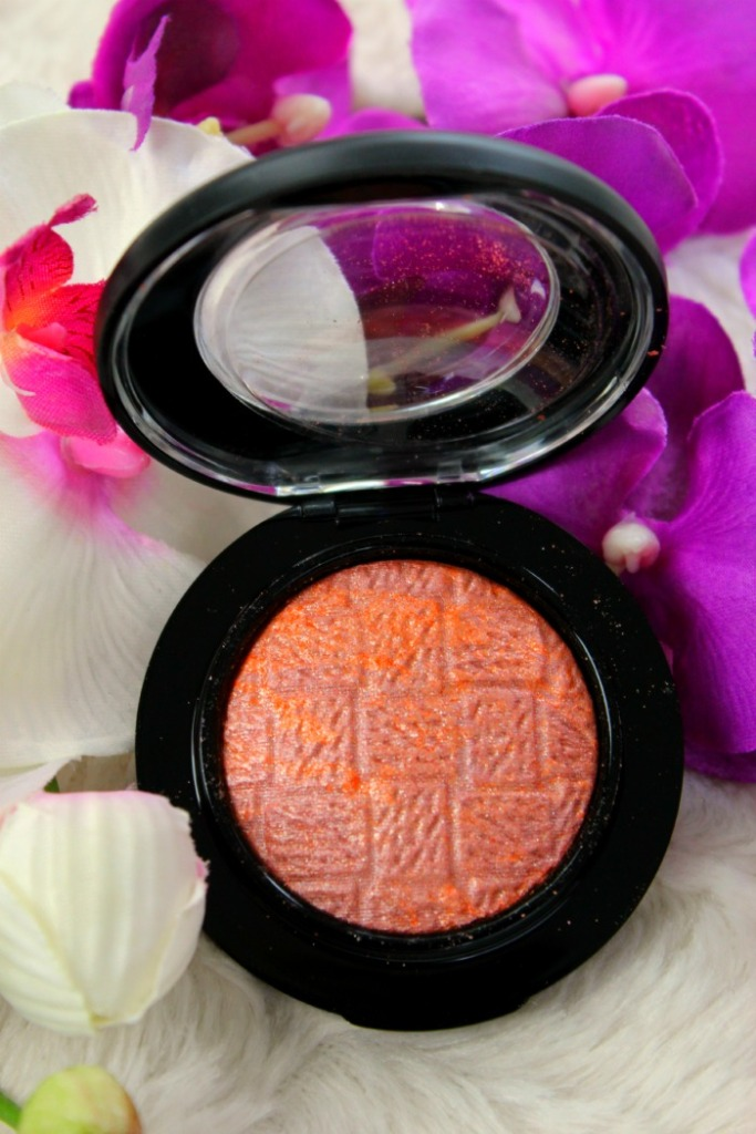 MAC Mineralize Blush Uplifting