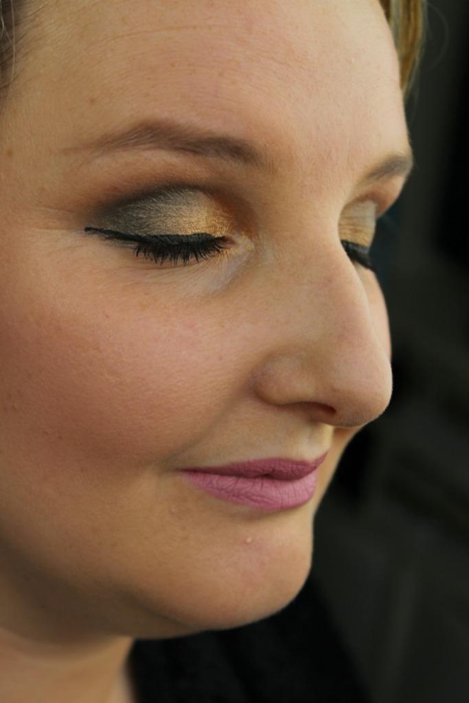 Makeup Revolution Flawless Look
