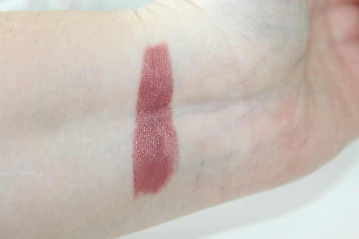 swatches come naturally essence......
